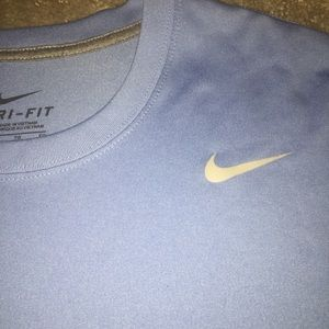 Men Nike dri-fit T-shirt gently used